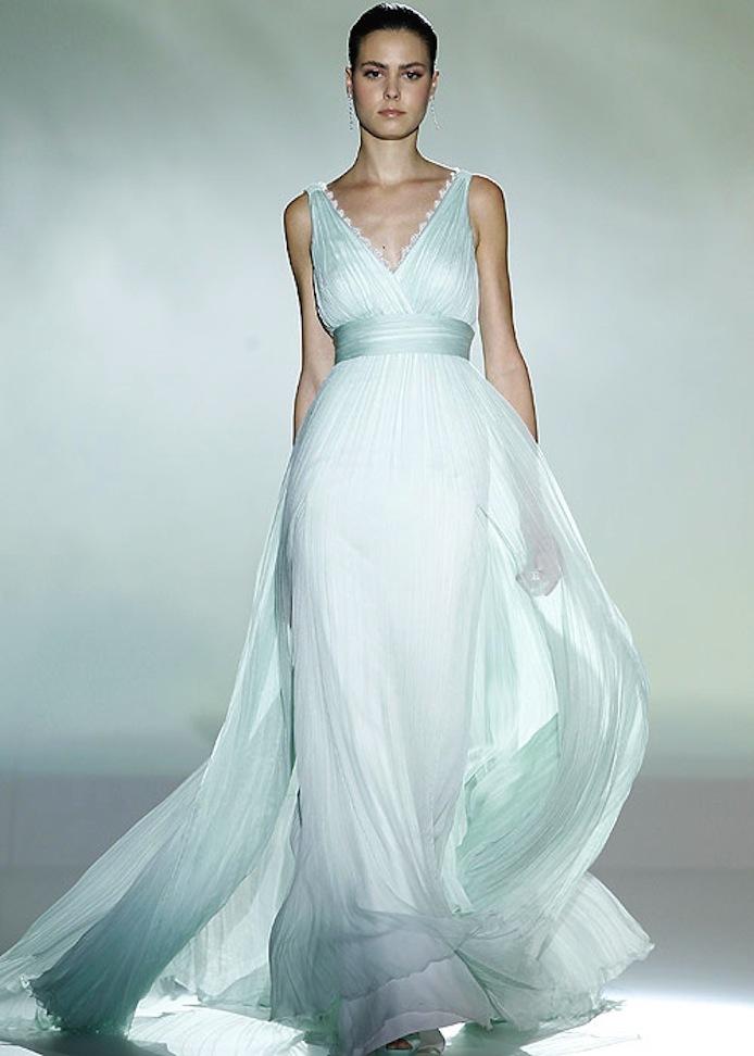 Wedding-dress-by-rosa-clara-2013-bridal-gowns-9.full