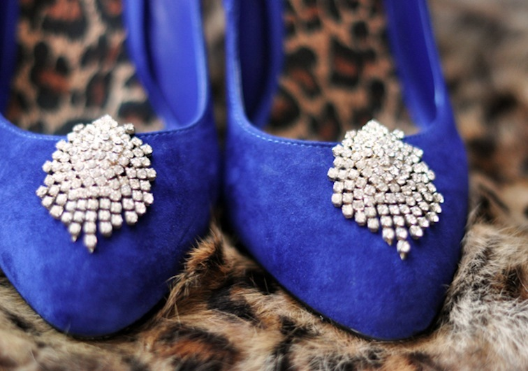 Blue-wedding-shoes-vintage-diamante-shoe-clips.full