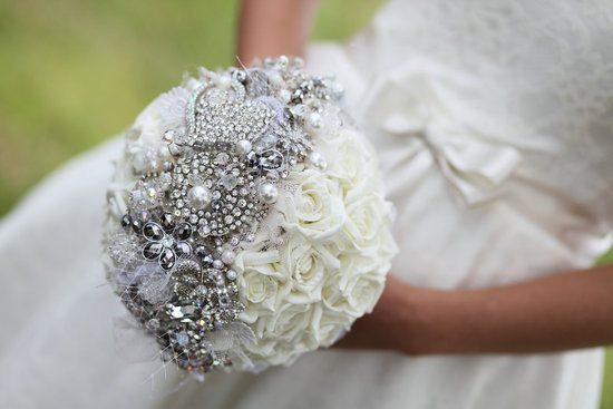 brooch bridal bouquet with tulle pearls