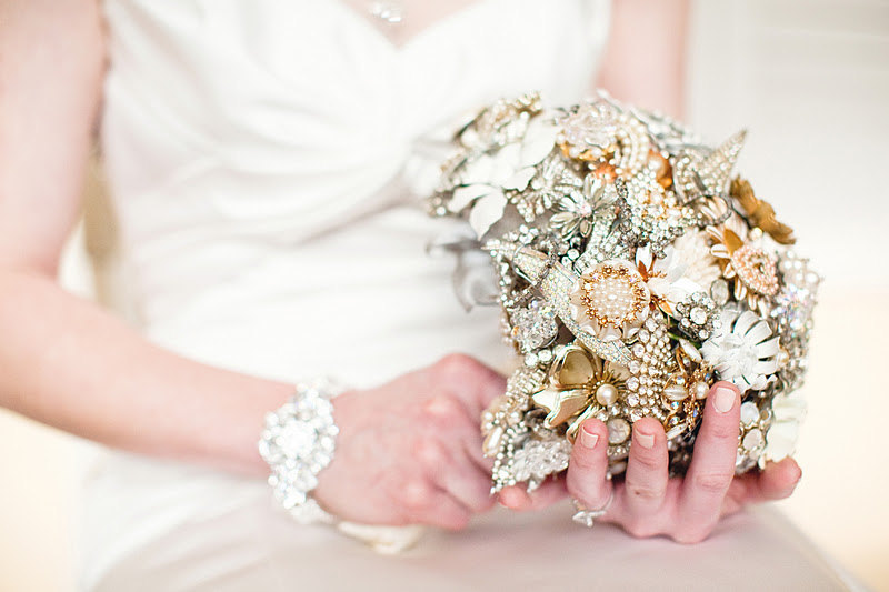 elegant bridal bouquet alternative brooch bouquet