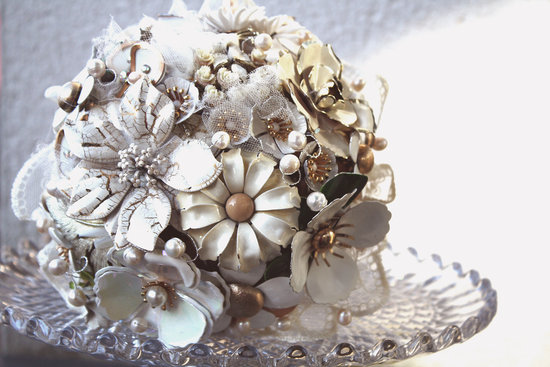 cream gold bridal brooch bouquet