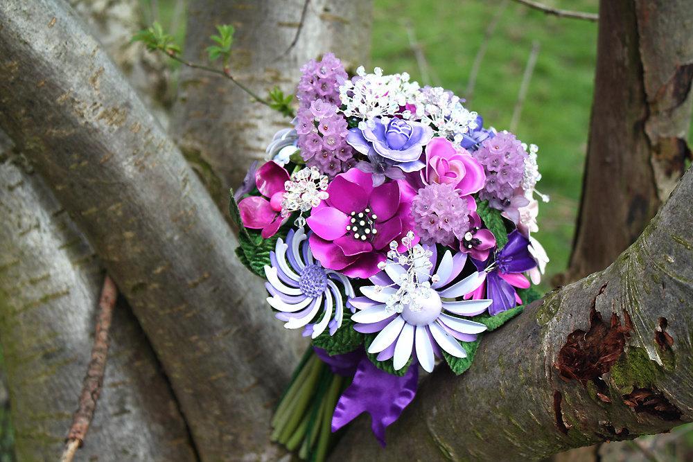 Purple-brooch-bouquet.full