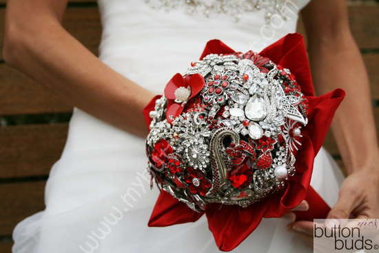 red silver brooch bridal bouquet winter wedding