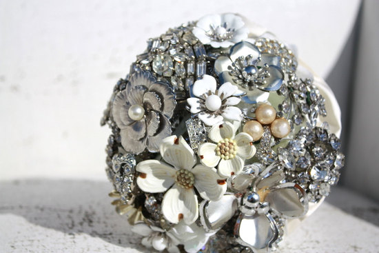 vintage wedding ideas stunning brooch bouquet white silver