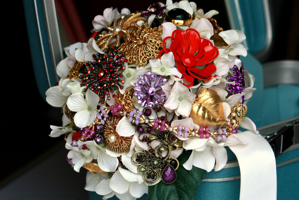 Brooch Bridal Bouquets Vintage Wedding Ideas Red Gold Purple
