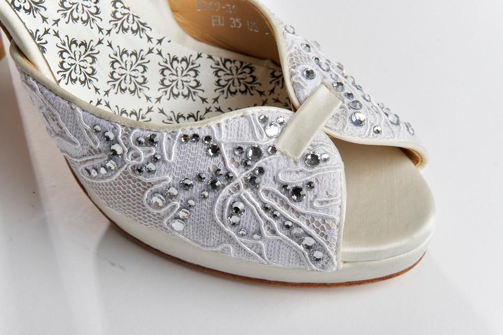 Hey-lady-wedding-shoes-vintage-inspired-bridal-heels-ivory-lace-embellished.full