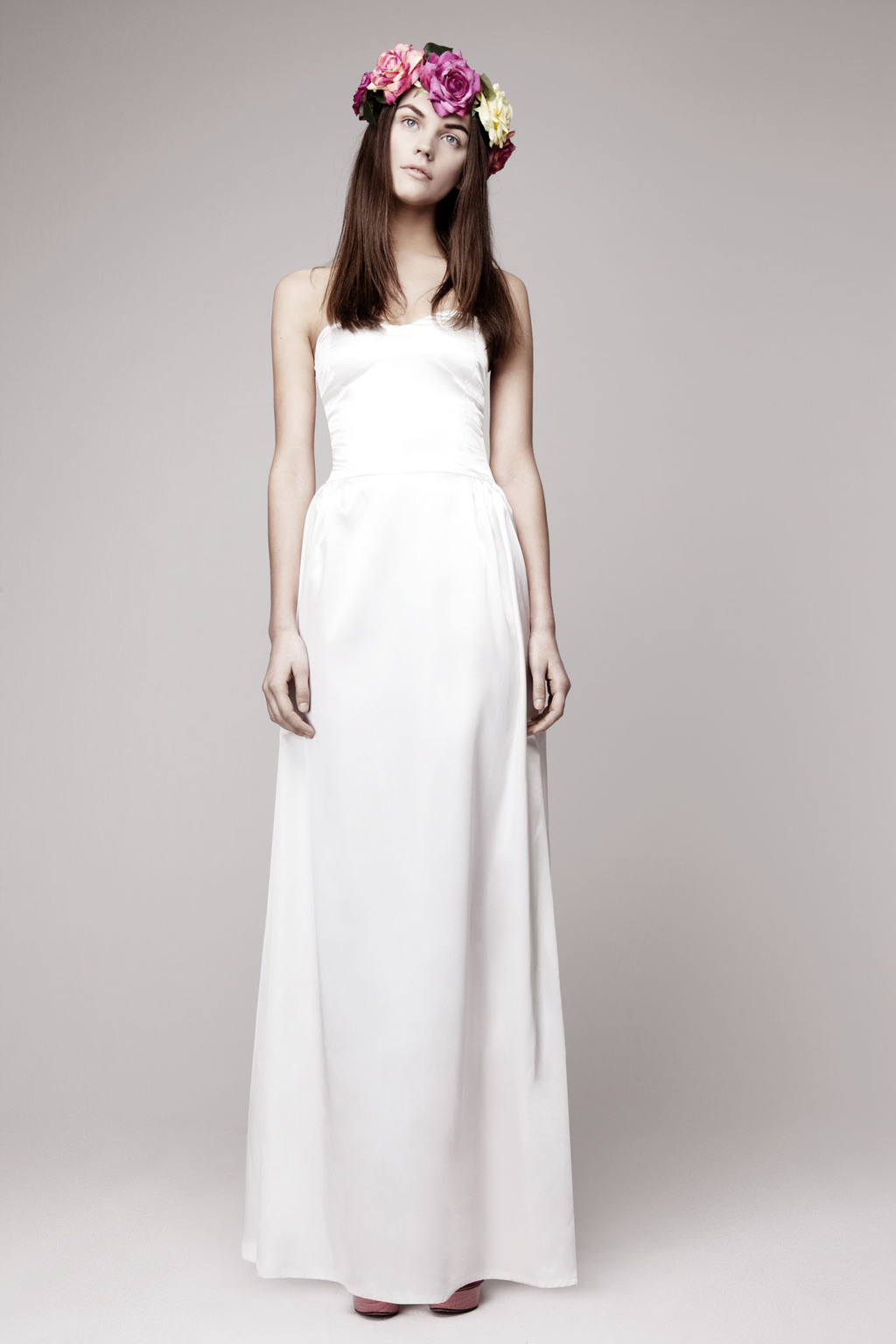 Simple wedding dress for vintage or modern brides 4 for Chic modern wedding dresses