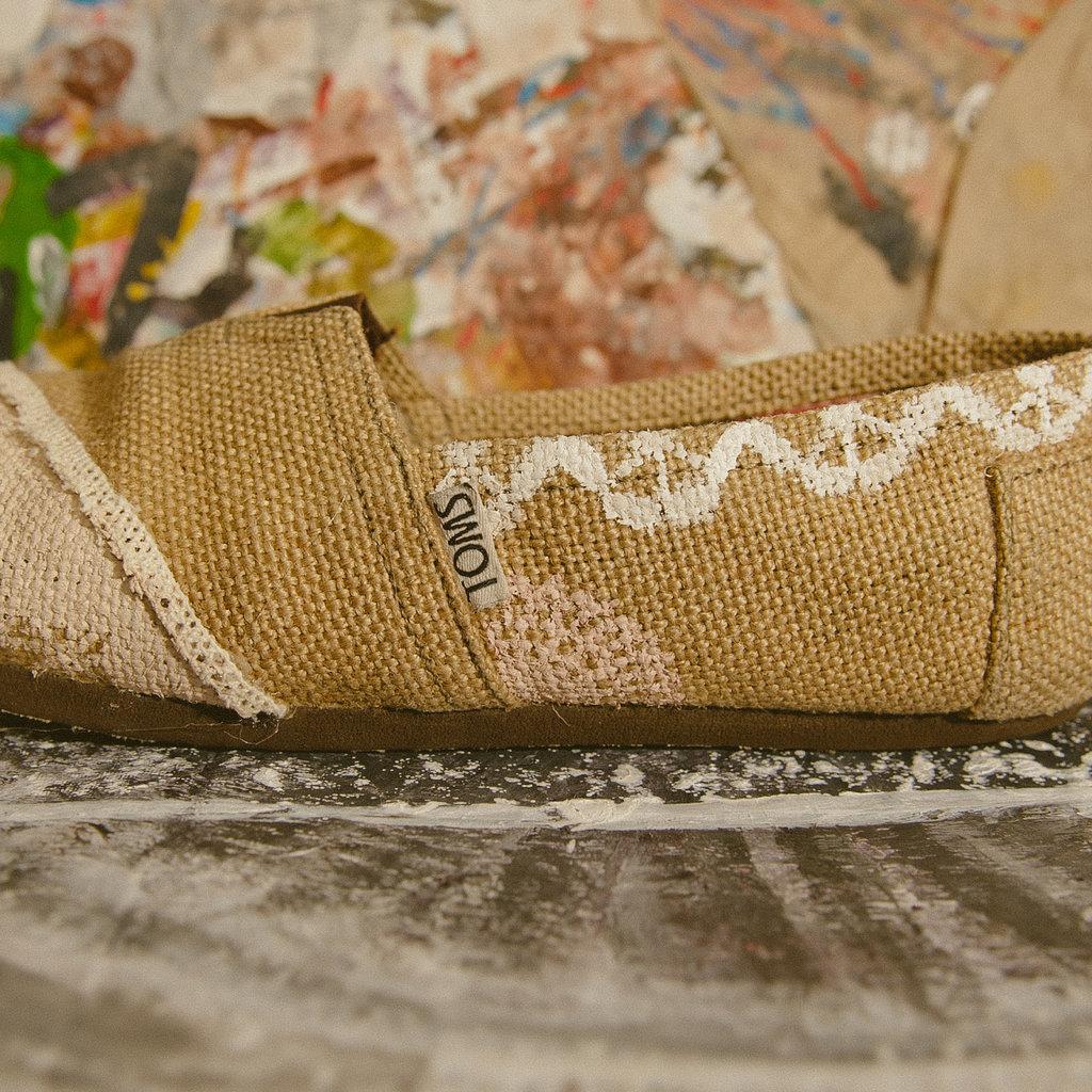 Eco-friendly-wedding-shoes-toms-burlap.full