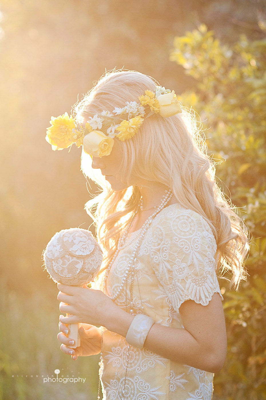 Bohemian-bride-lace-burlap-bridal-bouquet-wedding-flower-alternatives.full