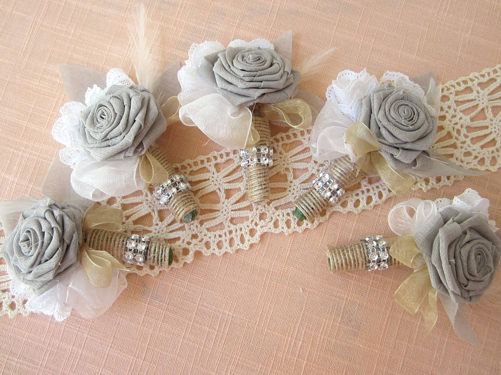 Burlap-lace-feathers-grooms-boutonniere-wedding-flower-alternatives.full