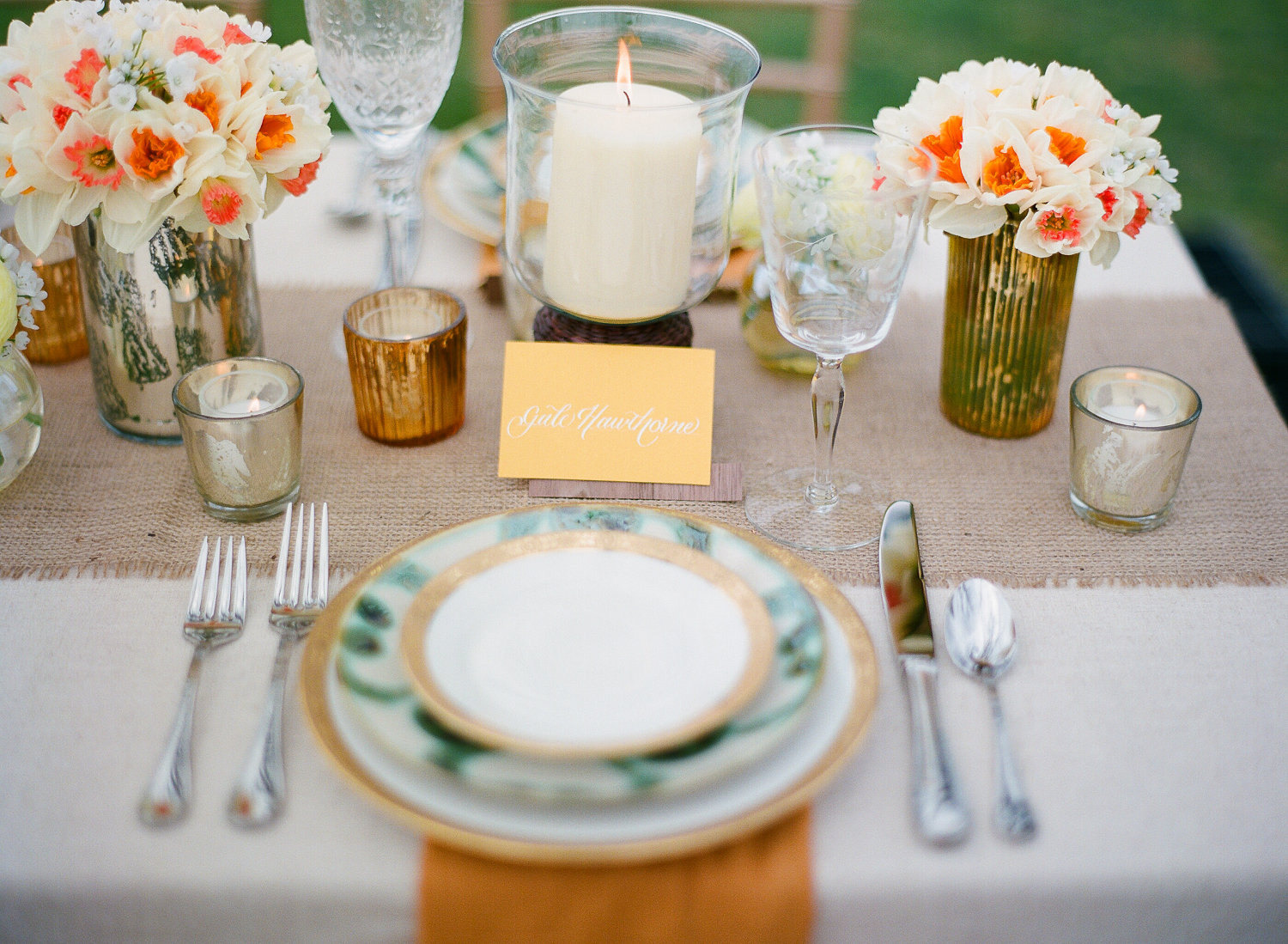 gorgeous wedding reception tablescape outdoor wedding burlap ...