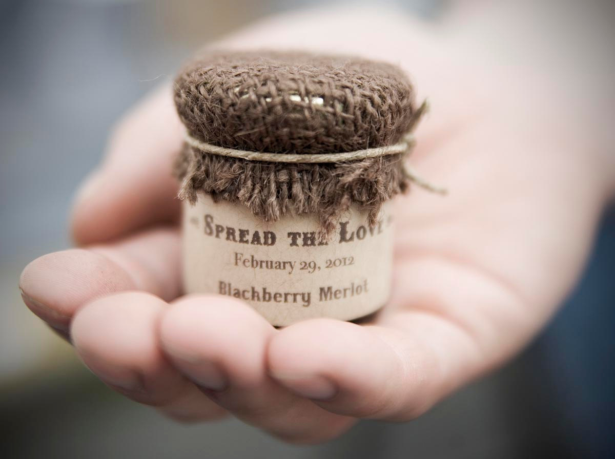 Rustic wedding favors personalized jam onewed com