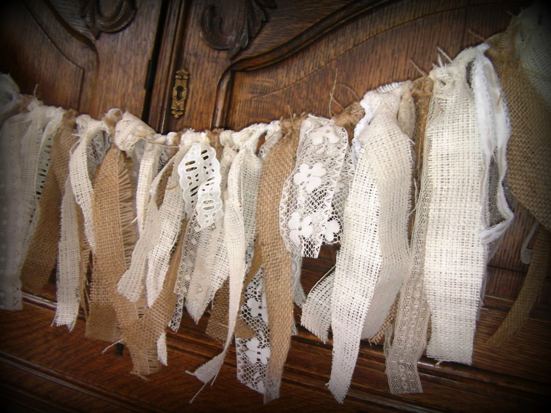 The bridal notebook burlap wedding ideas wedding ideas for Burlap and lace wedding decorations