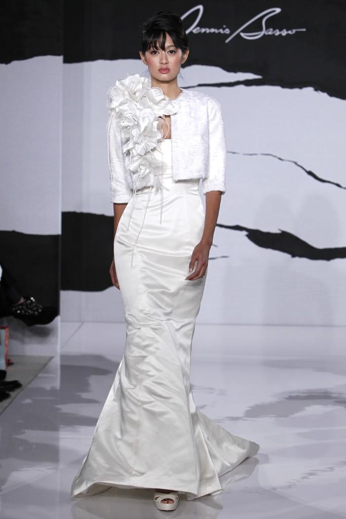 Wedding-dress-fall-2012-dennis-basso-for-kleinfeld-bridal-18.full