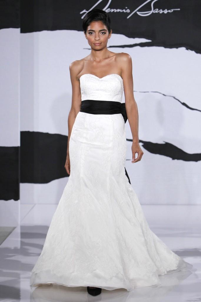 Wedding-dress-fall-2012-dennis-basso-for-kleinfeld-bridal-5.full