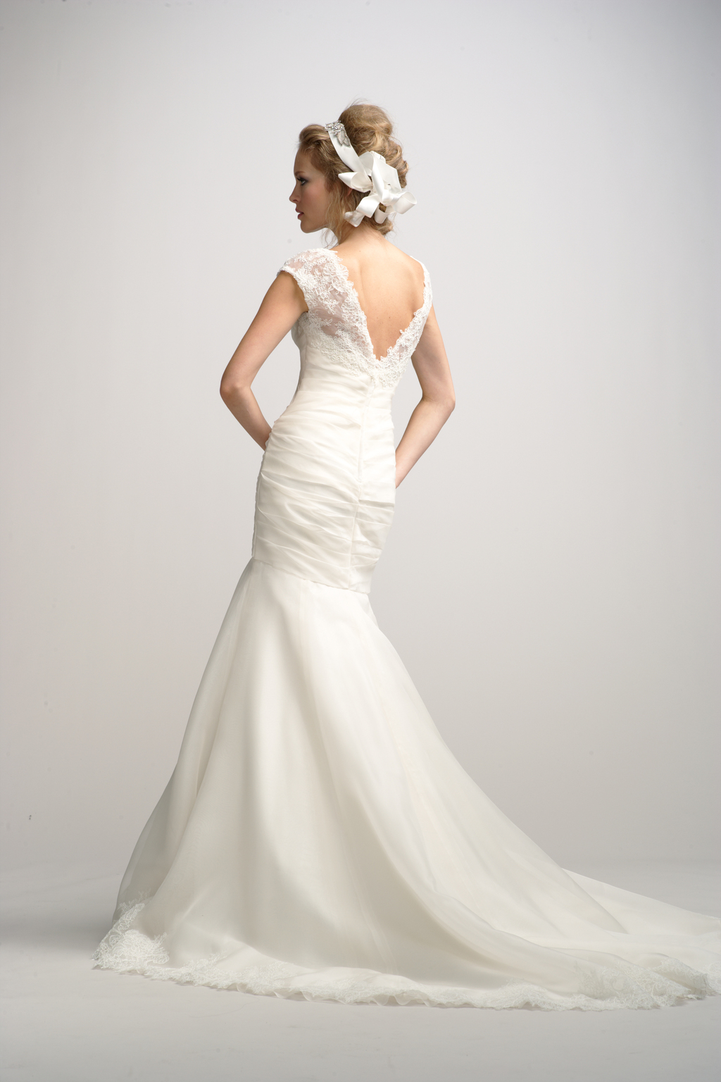Fall-2012-wedding-dress-watters-bridal-gown-4-back.full