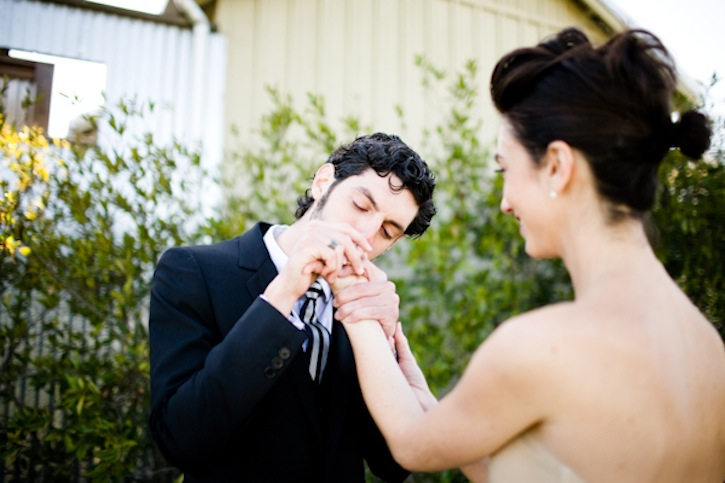 Best-wedding-photos-first-looks-between-bride-and-groom-2.original