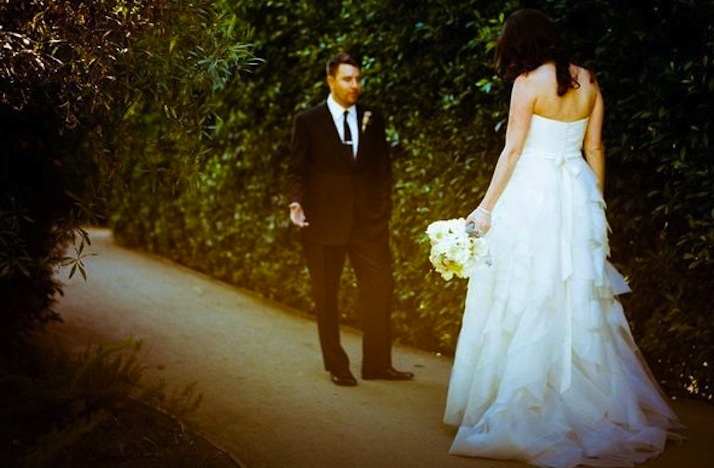 Artistic-wedding-photography-first-looks.full