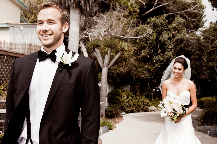 Wedding-photography-first-looks-between-bride-and-groom-real-wedding-photos-1.full