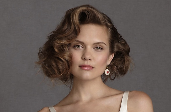 Wavy-wedding-hairstyle-for-short-hair-brides.original