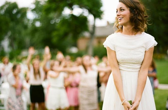 Wedding Hair Ideas For Short Hair Brides Real Wedding Outdoor