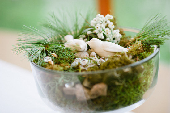 creative wedding ideas using moss DIY wedding projects decor