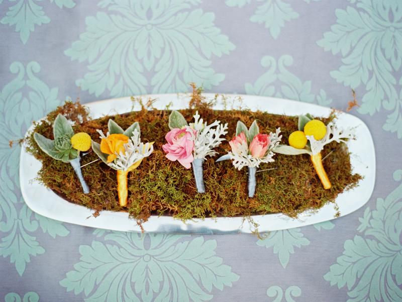 romantic grooms boutonnieres spring summer wedding flowers OneWed ...