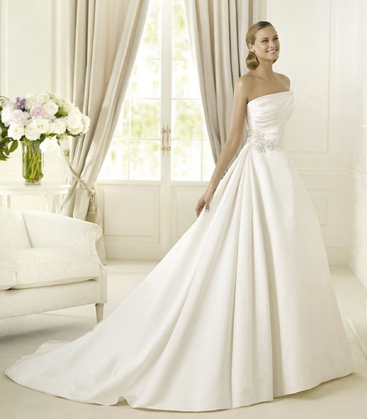 photo of 2013 wedding dress Pronovias Costura collection bridal gowns Daimiel