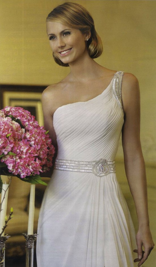 george clooney GF stacy keibler in wedding dresses by Pronovias Spring 2013 6
