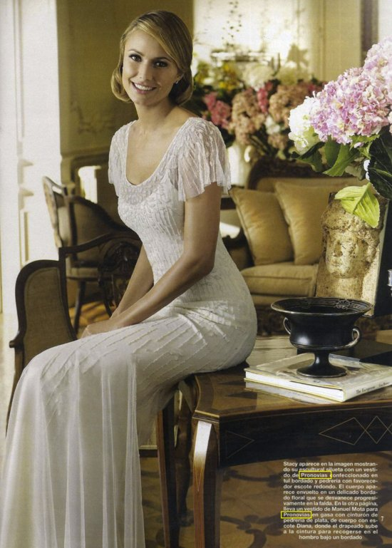 george clooney GF stacy keibler in wedding dresses by Pronovias Spring 2013 3
