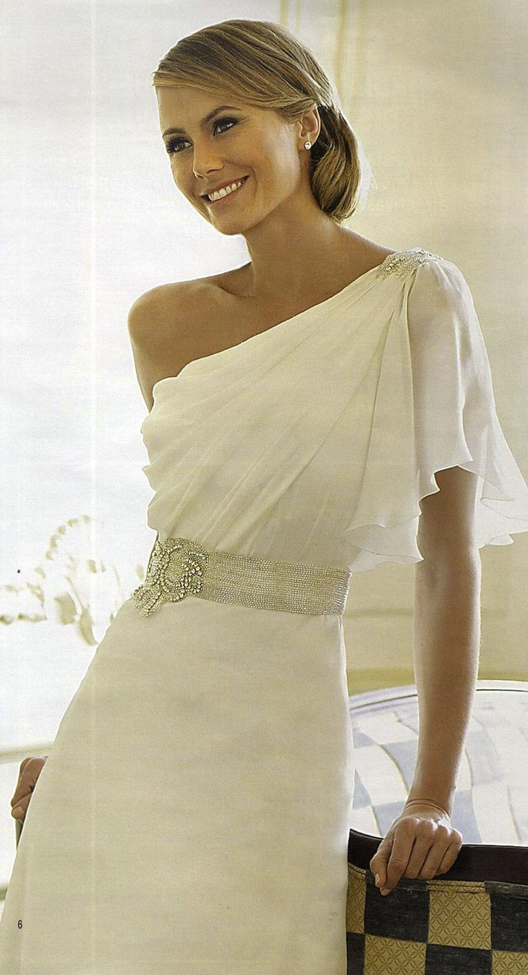george clooney GF stacy keibler in wedding dresses by Pronovias Spring 2013 2
