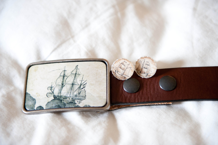 Nautical-themed-real-wedding-grooms-accessories.full