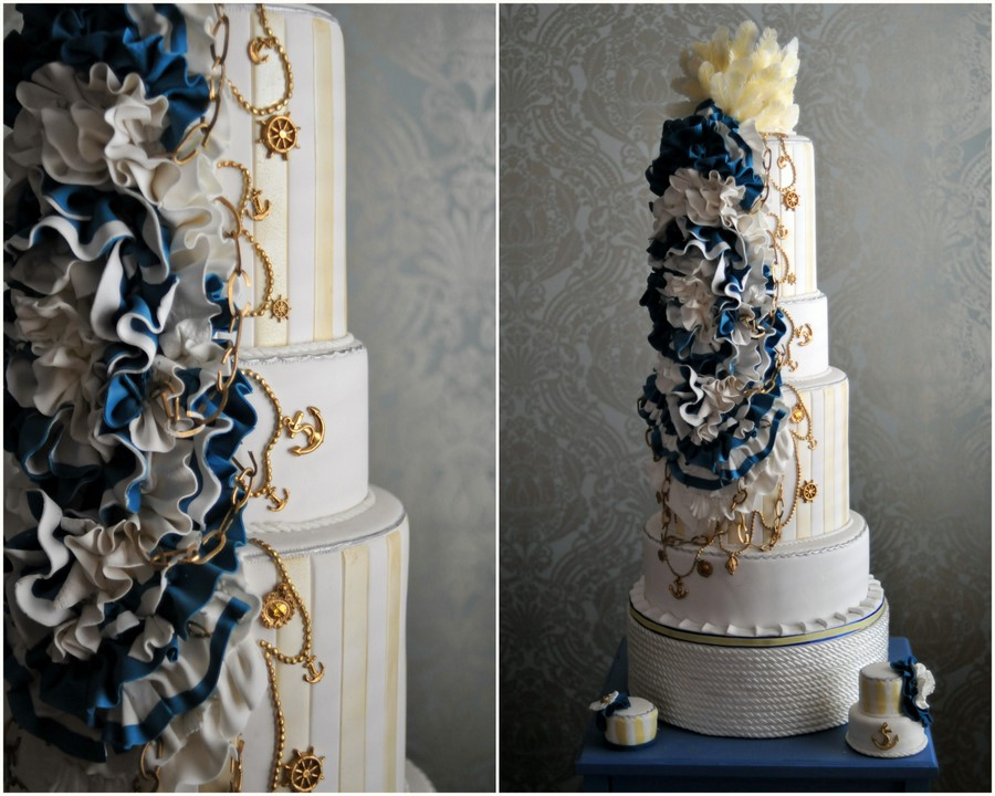 Nautical-wedding-theme-real-wedding-ideas-navy-gold-wedding-cake.original
