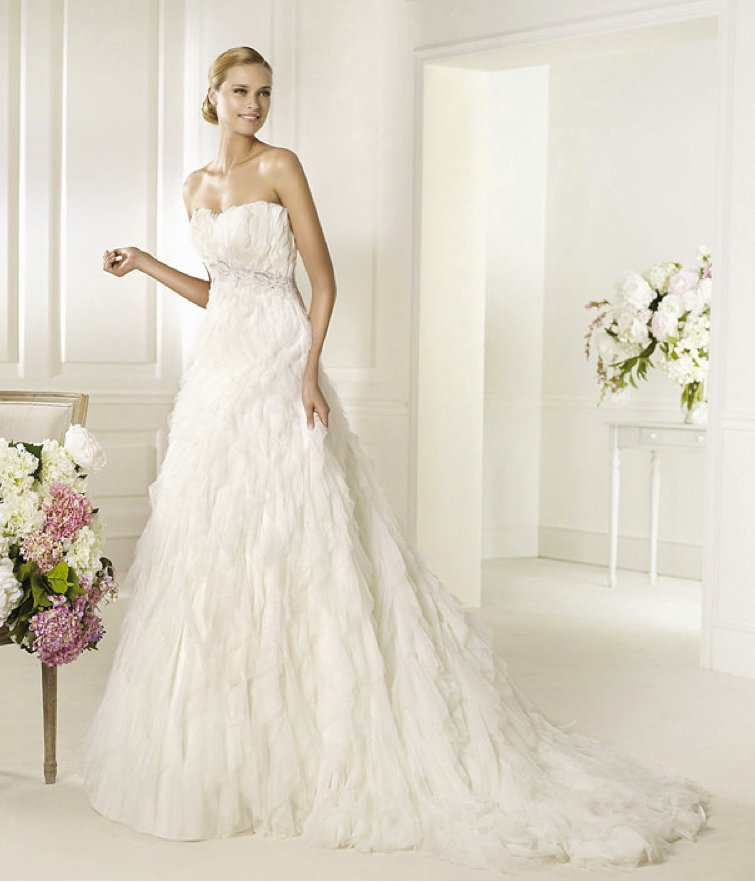 2013-wedding-dress-pronovias-glamour-collection-bridal-gowns-doncella.full