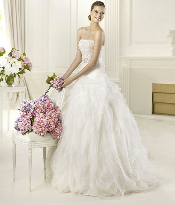 2013-wedding-dress-pronovias-glamour-collection-bridal-gowns-dorado.full
