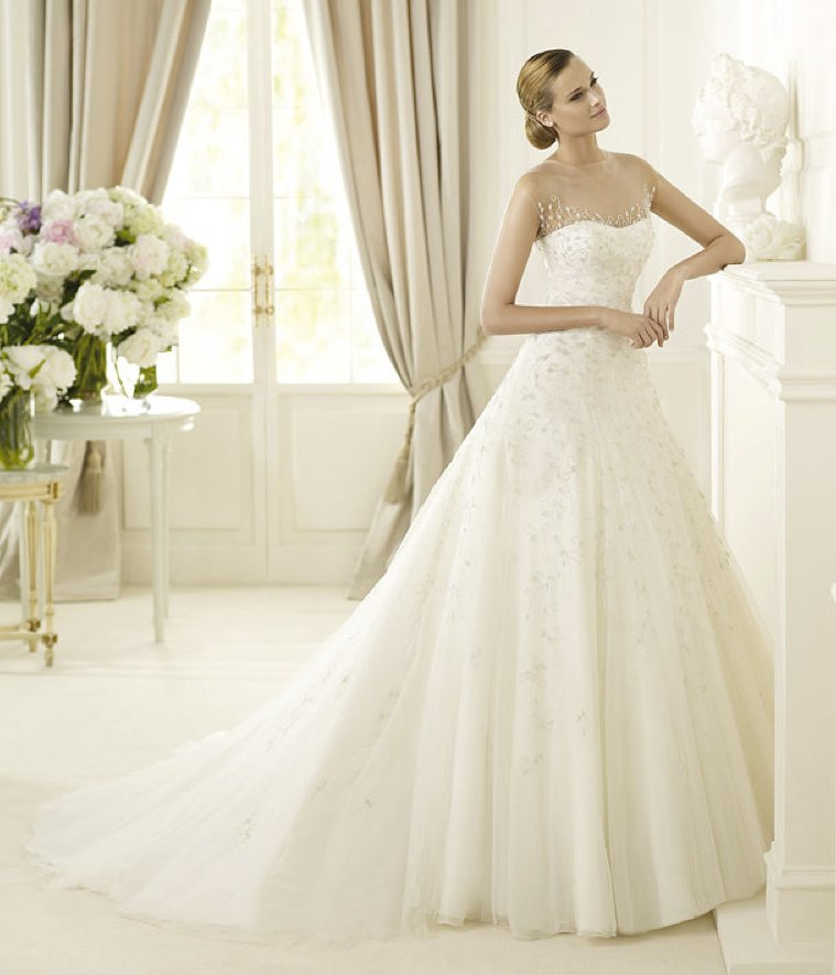 photo of Romantic 2013 Wedding Dresses from the Pronovias Glamour Collection