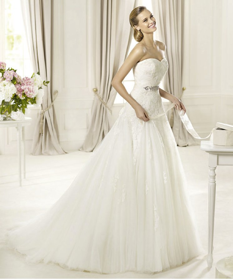 2013-wedding-dress-pronovias-glamour-collection-bridal-gowns-dagen.full