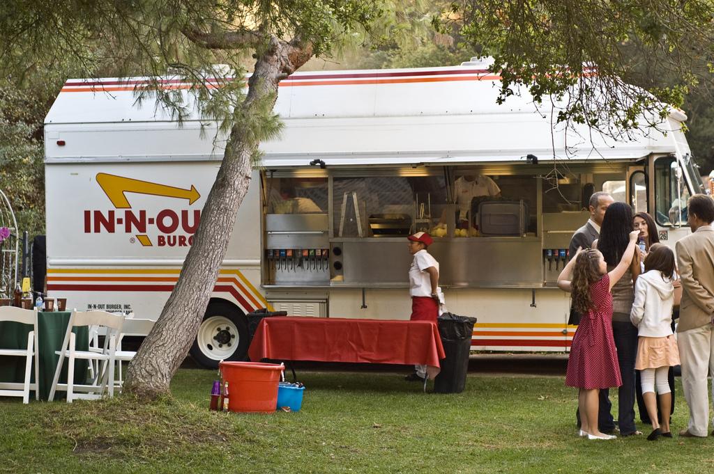 Wedding-food-trucks-in-n-out-burger.full