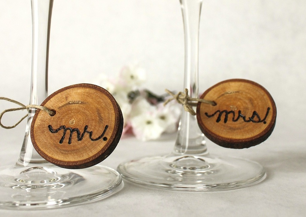creative wedding ideas from Etsy Mr and Mrs decor rustic wine charms