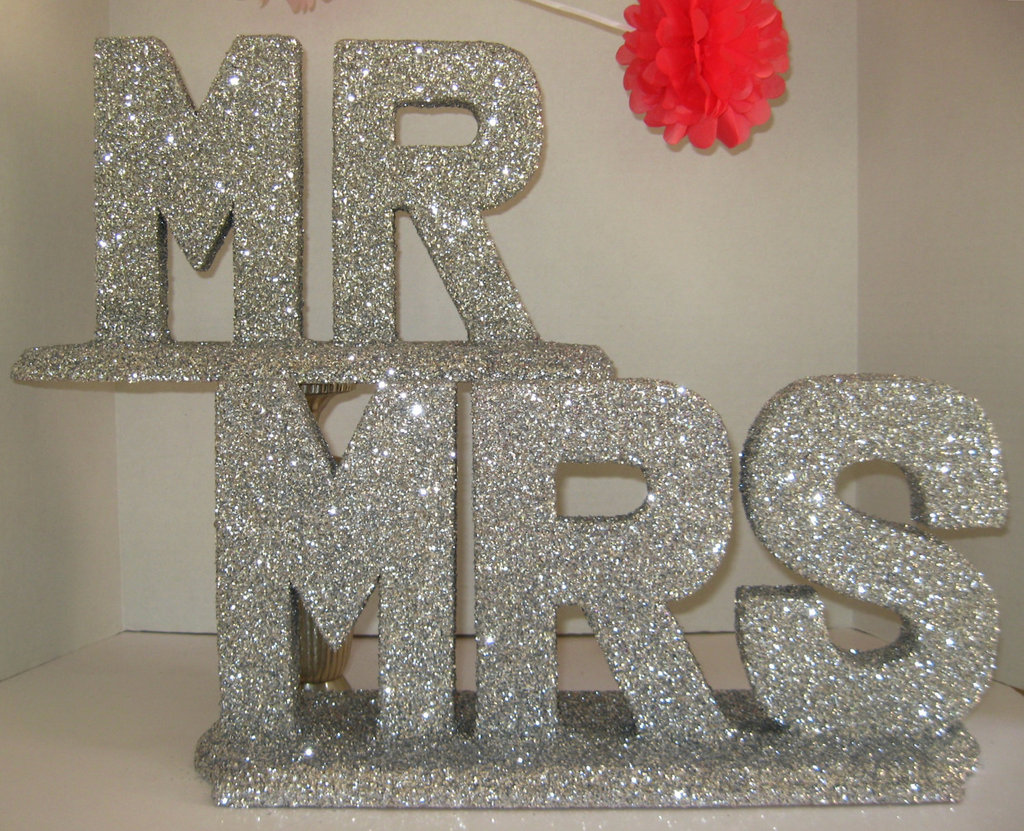 Creative-wedding-ideas-from-etsy-mr-and-mrs-decor-sparkly-silver-sign.full