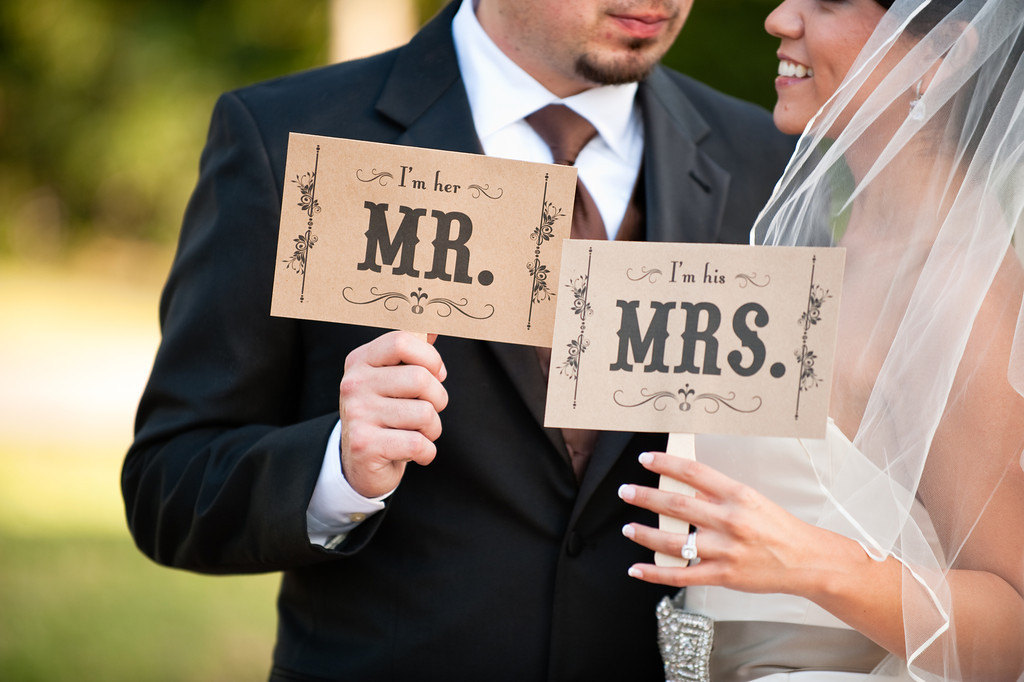 Creative-wedding-ideas-from-etsy-mr-and-mrs-decor-photobooth-prop-2.full