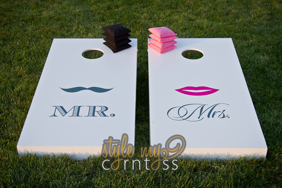 creative wedding ideas from Etsy Mr and Mrs decor cornhole bags