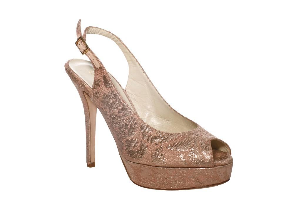 Romantic-blus-pink-platform-wedding-shoe.full
