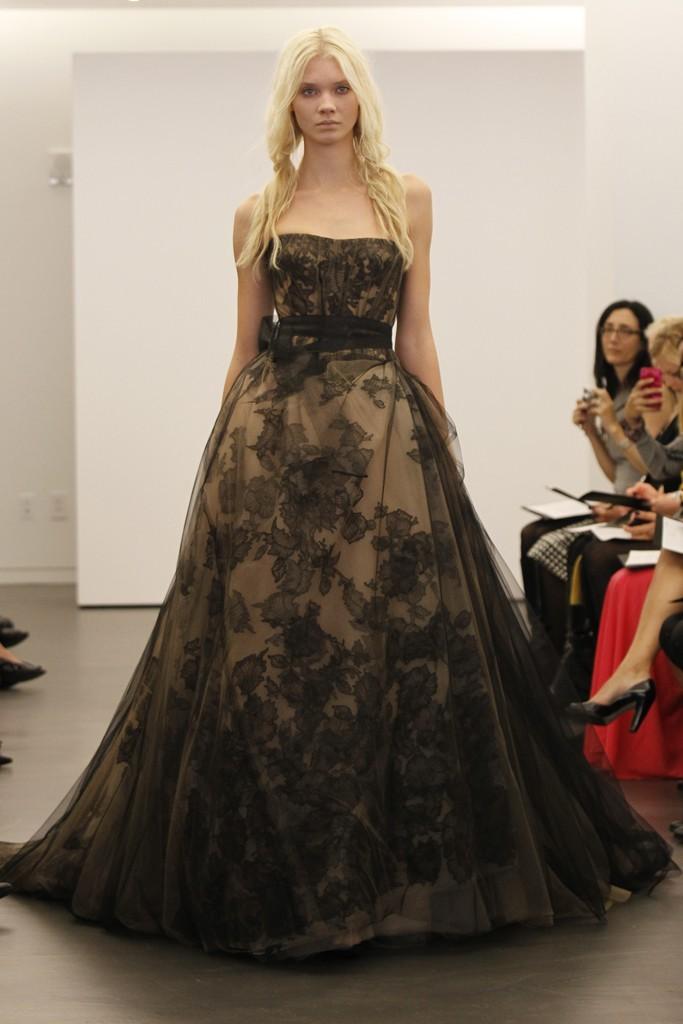 Vera-wang-wedding-dress-fall-2012-bridal-gowns-8.full