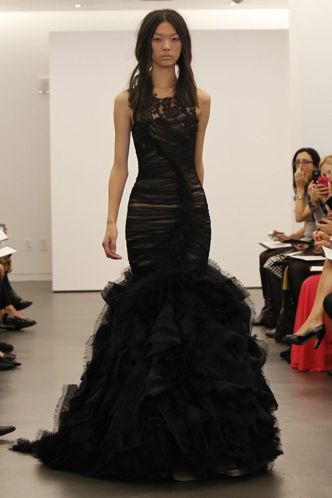 Vera-wang-wedding-dress-fall-2012-bridal-gowns-14.full