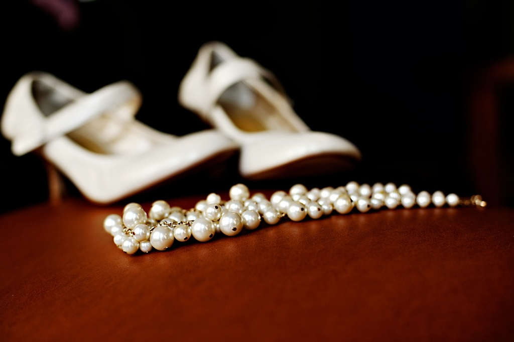 Real-weddings-winter-wedding-reception-wedding-shoes-jewelry.full