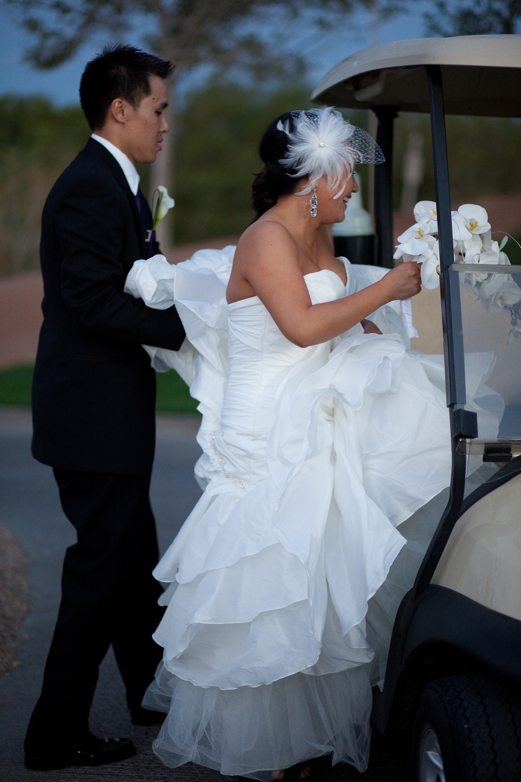 Las-vegas-bride-leaves-wedding-reception-with-groom.full