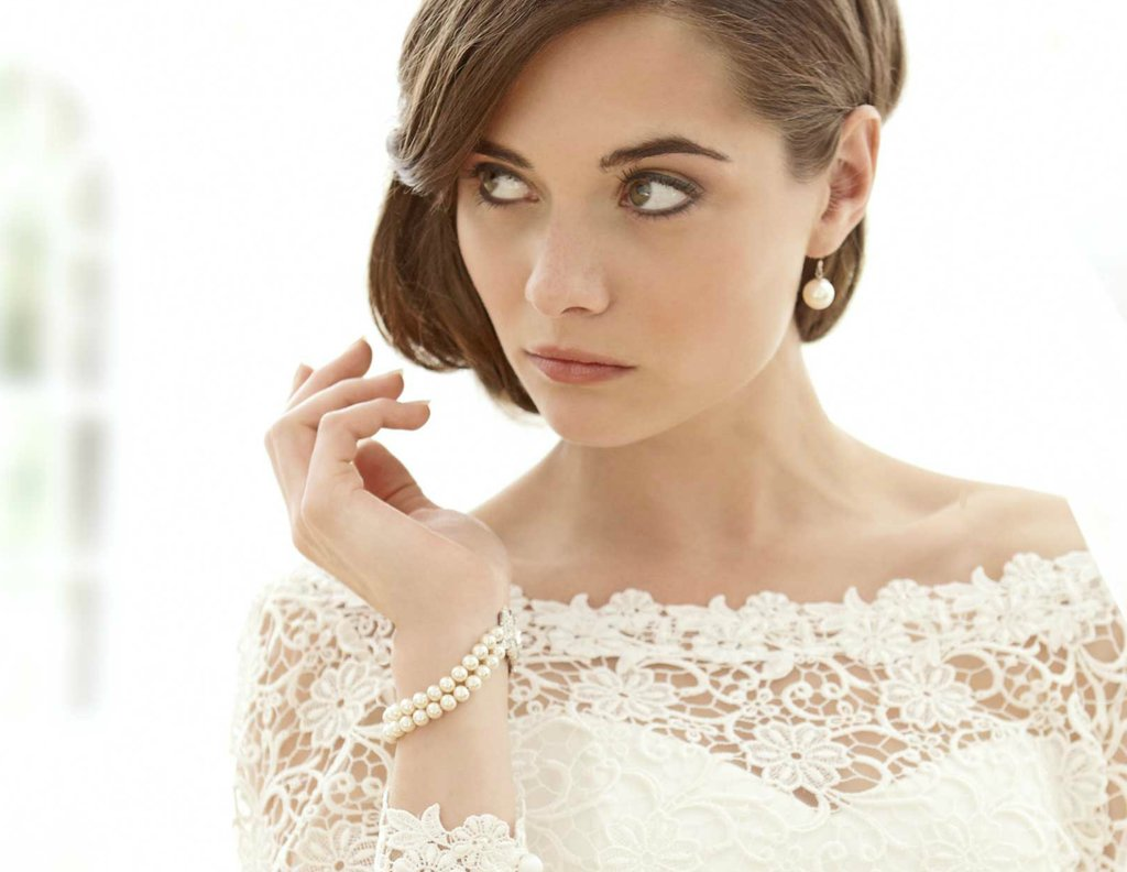 Sassi-holford-wedding-dress-2012-bridal-gowns-couture-long-sleeves-lace.full