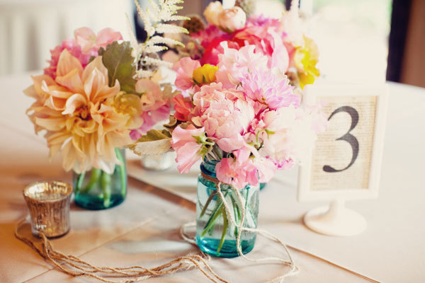 Mason-jar-wedding-reception-centerpieces.full