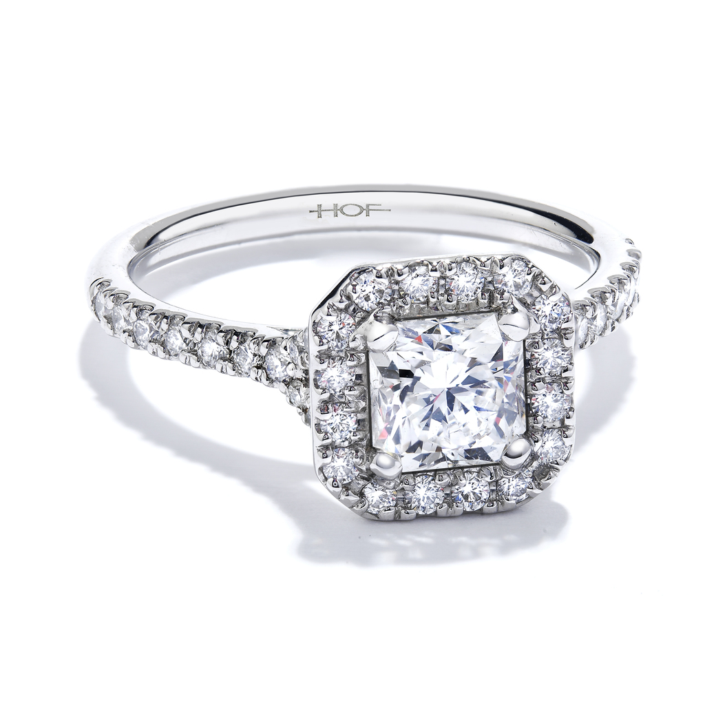 Transcend%20single%20halo%20dream%20diamond%20engagement%20ring.full